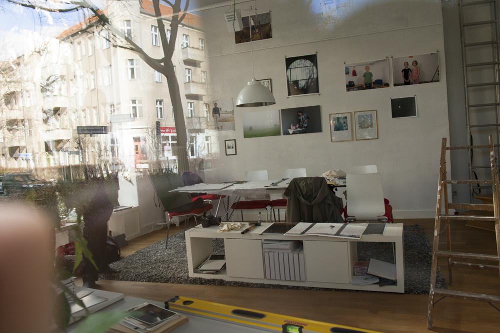 15. Fotografischer Salon  ----   Schön war es bei der Vernissage mit Sibylle, Julia, Bernadette, Anna und Rosanna vom Fotoraum Köln